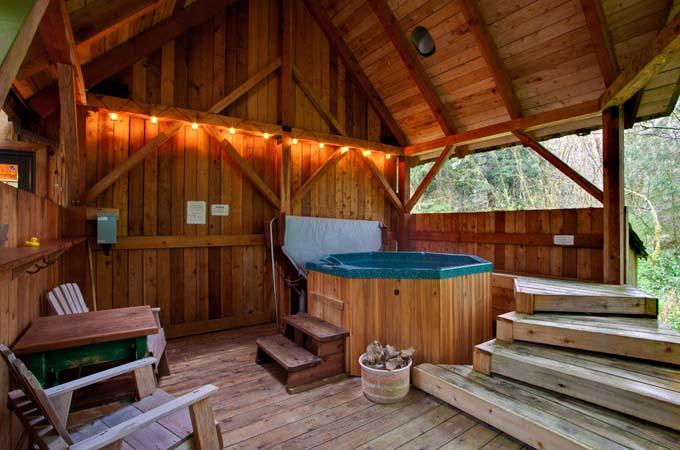 Eagle Cabin Hot Tub Stormking Spa Retreat Mt Rainier
