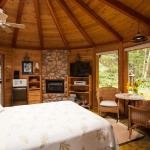 Raven Cabin Bed Stormking Spa Retreat Mount Rainier Cabins