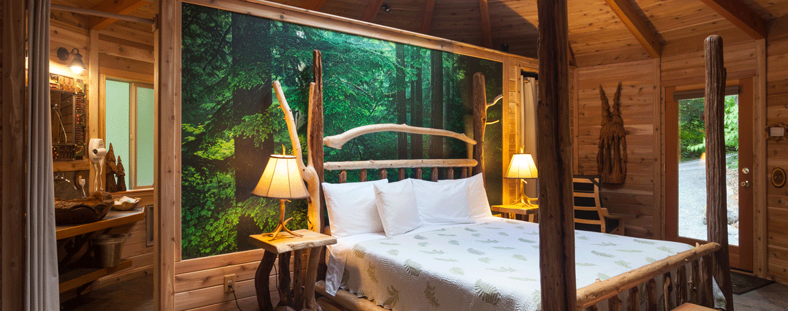 Romantic Cabin at Stormking Spa Retreat Mt Rainier